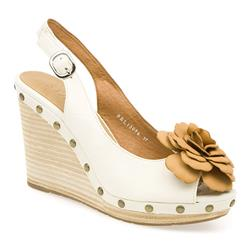 BEL13096 Leather Sandals in Off White
