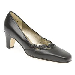 E Fit Shoe Leather Upper Court Shoes in Black