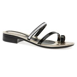 MUY1514 Sandals in Black, White