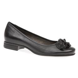 TAM22108-29 Leather Low to Mid Heels in Black Leather