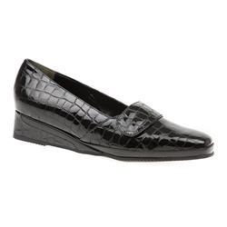 VAN1602 Leather Upper Low to Mid Heels in Black Patent Croc