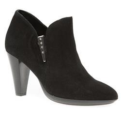 STJP1601 Suede Upper Boots in Black Suede