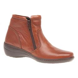HAK1610 Leather Boots in Tan