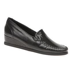 NAP1611 Leather Upper Heels in Black Patent Croc