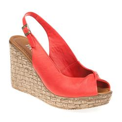 ZYN1701 Leather Sandals in Red, Tan